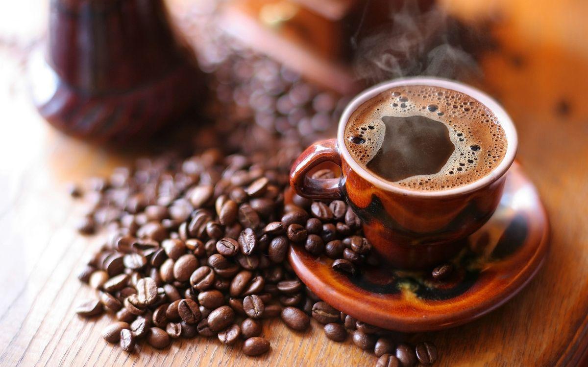 Обои зерна, горячий кофе, чашка картинки на телефон