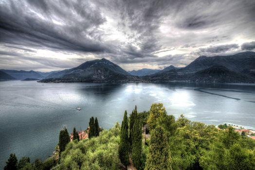 Photo free Castello di Vezio, lake, boat