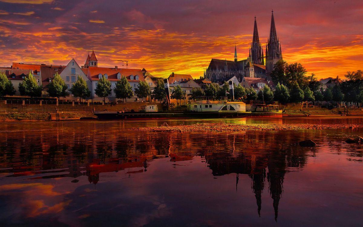 Фото бесплатно пейзаж, Германия, отражение, Регенсбург, река, закат - на рабочий стол