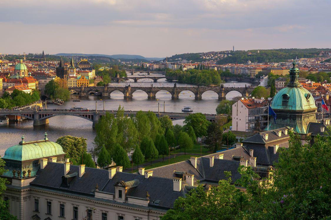 Река в Праге и мосты · бесплатное фото