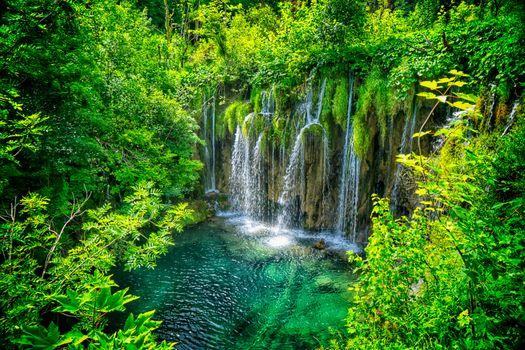 Заставка хорватия, плитвицкие озера национальный парк на рабочий стол бесплатно