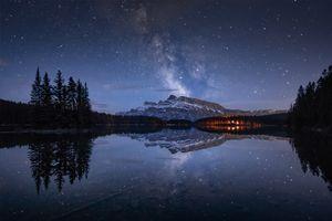 Бесплатные фото Two Jack Lake,Banff National Park,озеро,горы,ночь,сумерки,деревья