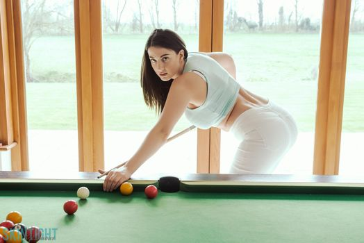 Joey Fisher rolls balls · free photo