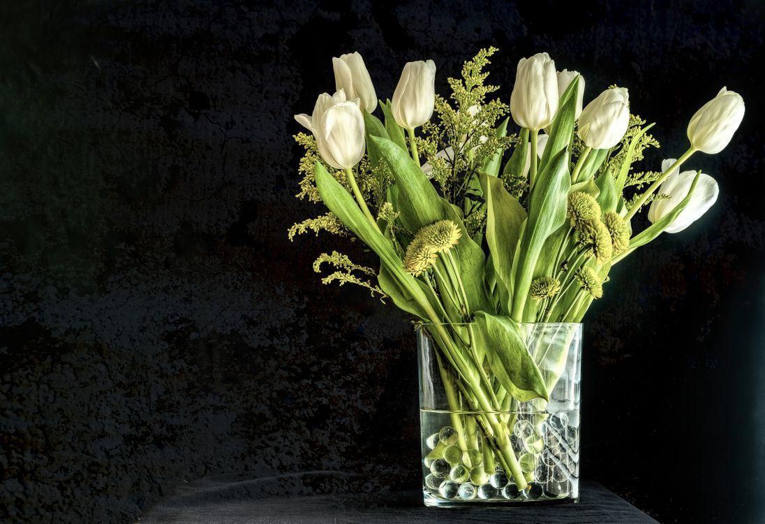 Фото бесплатно цветы, букет, цветок, цветочный, цветение, цветочная композиция, флора, ваза, тюльпаны, цветы