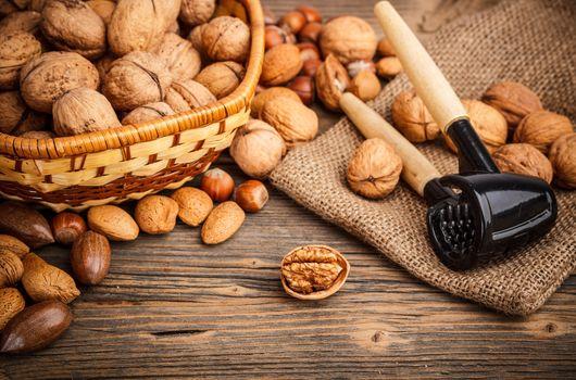Photo free almonds, hazelnuts, muts