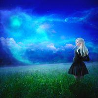Бесплатные фото ночь,сияние,свечение,иллюминация,поле,трава,девушка
