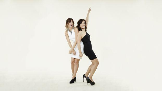 Photo free Chloe Bennet, Min Na Wen, celebrities