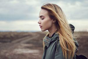 Фото бесплатно модель, закрытые глаза, блондинка