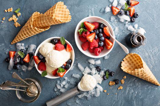 Бесплатные фото мороженое,десерт,ягоды