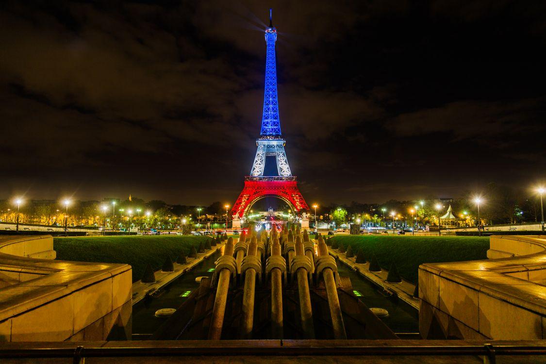 Улицы Парижа · бесплатная заставка