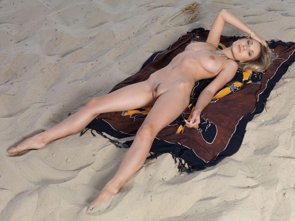 Фото бесплатно Candice B, красотка, голая, голая девушка, обнаженная девушка, позы, поза, сексуальная девушка, эротика, Nude, Solo, Posing, Erotic, фотосессия, sexy, эротика