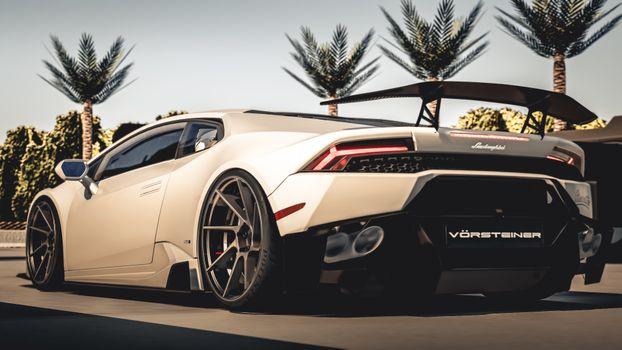 Фото бесплатно Lamborghini Huracan, белая, спойлер