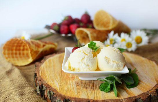Фото бесплатно вафельный стаканчик, мороженое, ванильное