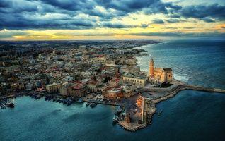 Фото бесплатно Италия, Cattedrale Trani in volo в городе Трани, Собор Трани
