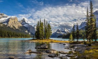 Фото бесплатно Maligne Lake, Национальный парк Джаспер, Jasper National Park, Alberta, Canada