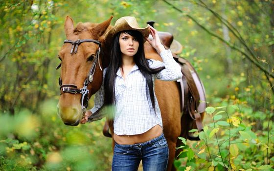 Photo free females, brunette, horse