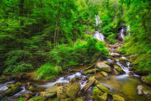 Фото бесплатно Chattahoochee National Forest, near Helen, Georgia, водопад, речка, камни, мост, деревья, лес, косогор, природа, пейзаж