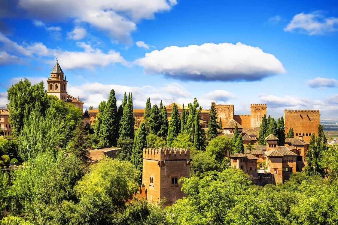 Фото бесплатно Ancient arabic fortress of Alhambra, Granada, Spain, город