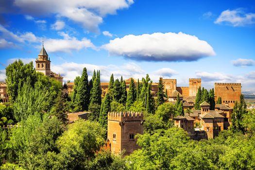 Фото бесплатно Ancient arabic fortress of Alhambra, Granada, Spain