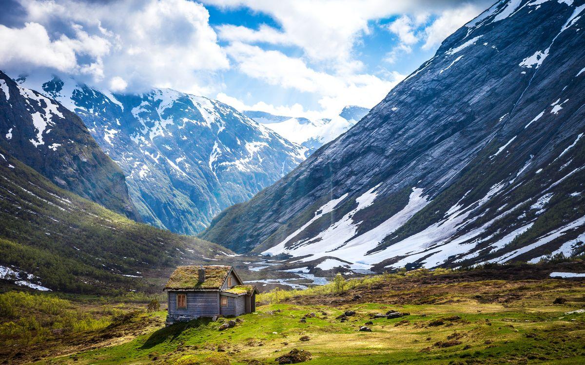 Норвегия - дом в ущелье горы · бесплатное фото