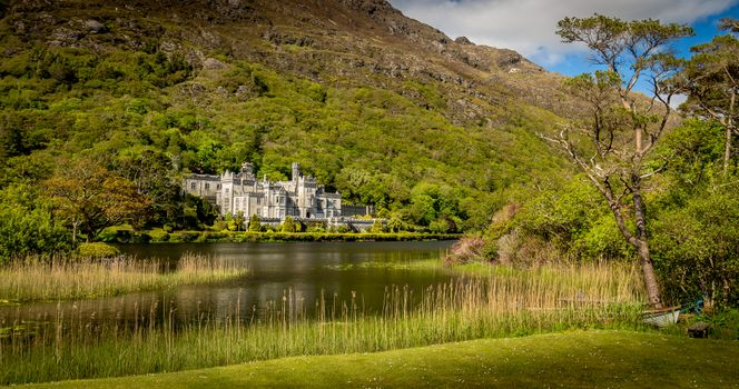 Photo free Kylemore Abbey, Connemara, Co Galway