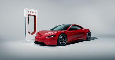 Красный родстер Тесла