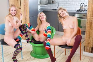 Фото бесплатно Alisha, Lagoda, Runa, красотка, голая, голая девушка, обнаженная девушка, позы, поза, сексуальная девушка, эротика