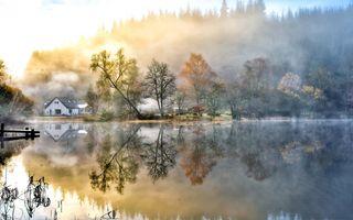 Фото бесплатно архитектура, осень, здания, причал, туман, лес, стекло, дымка, холмы, домики, озера, пейзажи, утро, природа, Пирс, отражение, живописный, сезон, блеск, берег, Восход, деревья, вода