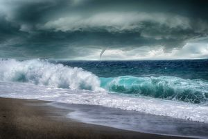 Заставки море, смерч, буря