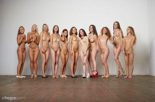 Фото бесплатно поза, молодая, Hegre Naked Soccer Team