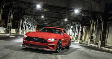 Photo free Ford Mustang, red, tunnel