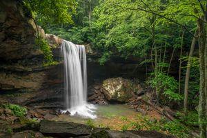 Бесплатные фото водопад,скалы лес,деревья,поток,природа,пейзаж