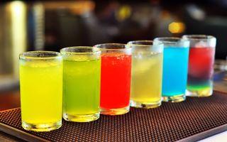 Фото бесплатно коктейль, разноцветные, коктейли