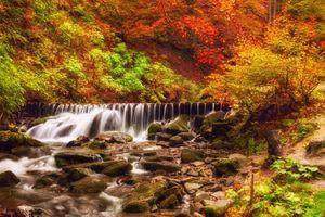 Бесплатные фото осень,река,водопад,камни,деревья,осенние краски,краски осени