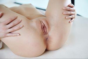Бесплатные фото Violette Pink,красотка,голая,голая девушка,обнаженная девушка,позы,поза