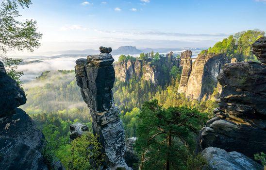 Заставки Bastei,Саксонская-Швейцария,Германия,горы,скалы,утро,рассвет,пейзаж
