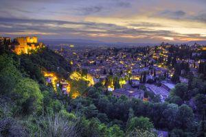 Бесплатные фото гранада,испания,андалусия,городской пейзаж,закат,вечерние огни