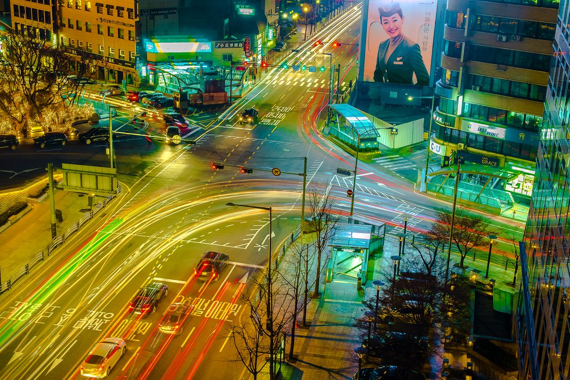 Сеульские ночи со светлыми тропами · бесплатное фото