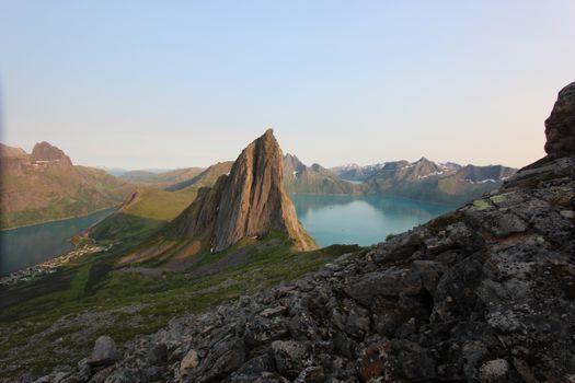 Заставки Норвегия, горные рельефы гора, небо