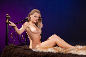 Заставки Myata A, красотка, голая, голая девушка, обнаженная девушка, позы, поза, сексуальная девушка, эротика, Nude, Solo, Posing