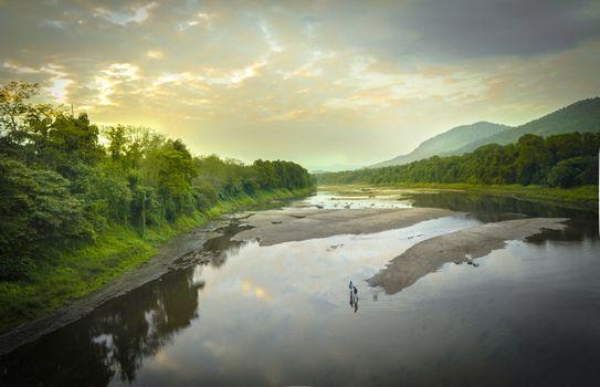 Заставки река,размышления,природа,воды,водный путь,озеро,небо,водные ресурсы,банка,резервуар,утро,Хайленд