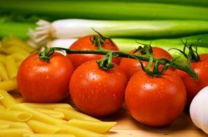 Фото бесплатно помидоры, лук, макароны