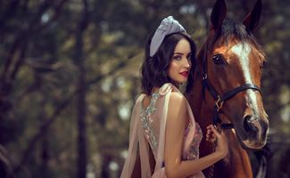 Girl and horse · free photo