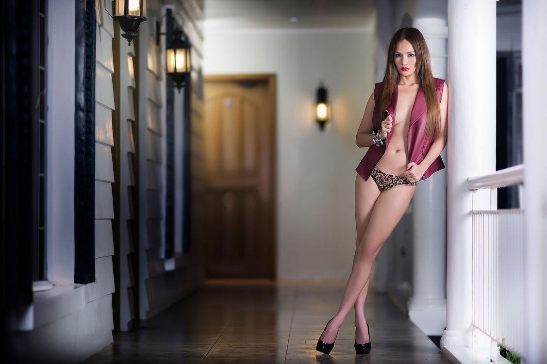 Фото бесплатно красотка, позы, поза, сексуальная девушка, Solo, Posing, фотосессия, beauty, сексуальная, молодая, богиня, киска, красотки, модель, эротика