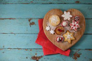 Заставки wood,шоколад,десерт,печенье,праздник,глазурь