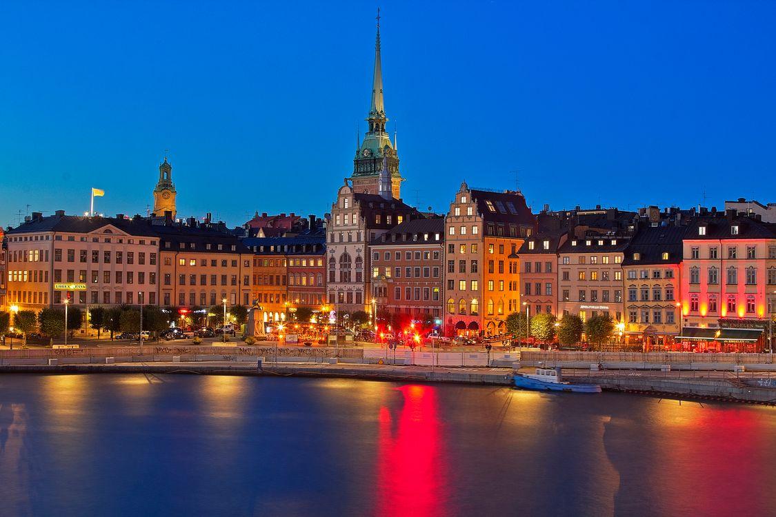 Free photo Gamla Stan, Stockholm, night - to desktop