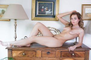 Бесплатные фото Keira Blue,красотка,голая,голая девушка,обнаженная девушка,позы,поза