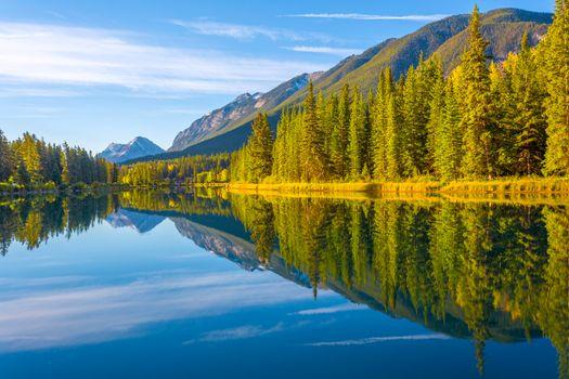 Фото бесплатно Bow River, Национальный парк Банф, Канада