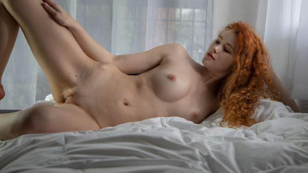 Бесплатные фото Хейди Романова,рыжая,сиськи,большие сиськи,соски,ню,бритая киска,киски,половые губы