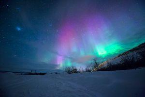Фото бесплатно пространство, звезда, ночь, обои, облако, снег, 20180418, лес, ночное небо, отпуск, путешествия, природа, гора, пейзаж, тромбо, норвегия, северный свет, аврора